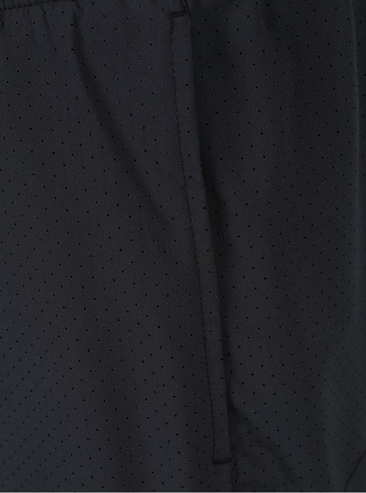 Černé pánské funkční kraťasy s logem Nike Distance