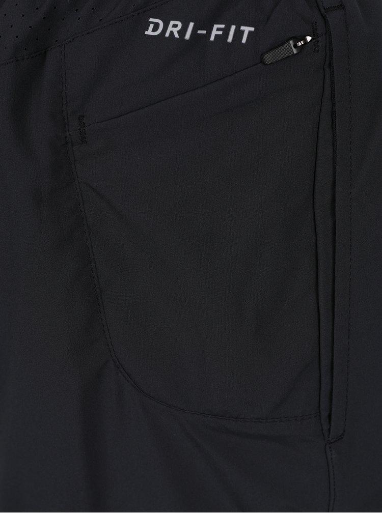 Pantaloni scurti negri cu perforatii Nike Distance