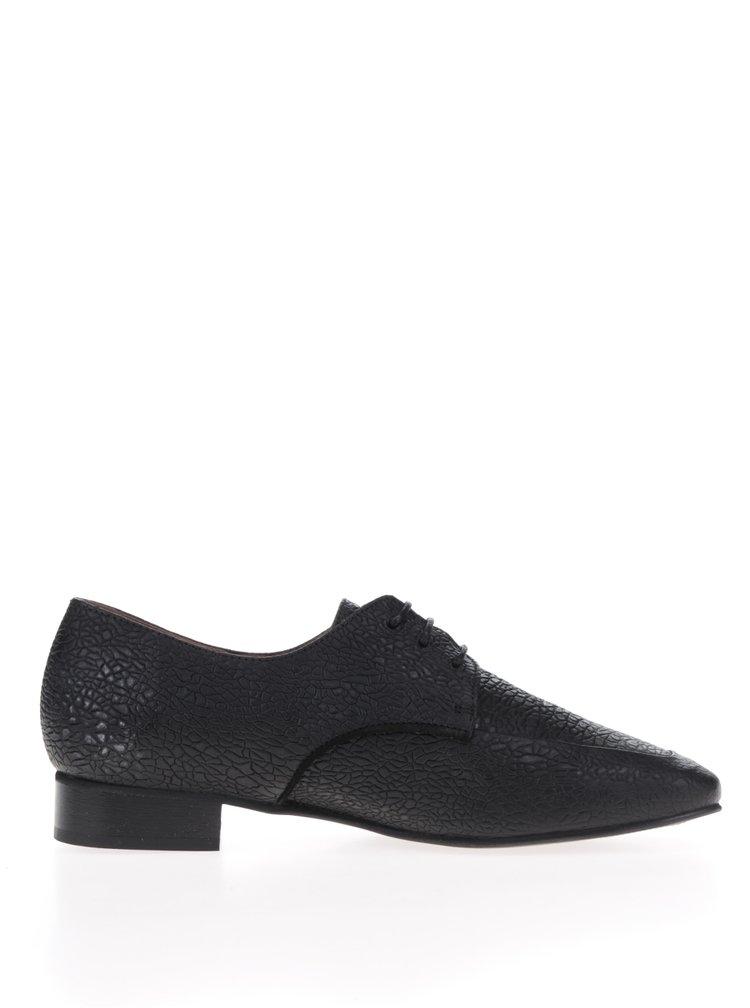 Čierne kožené poltopánky s jemným plastickým vzorom Selected Femme Tiny