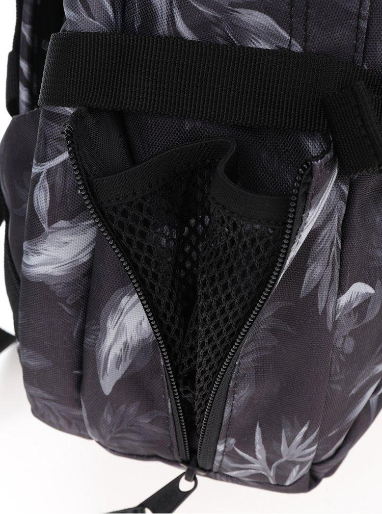 Černo-šedý vzorovaný batoh Eastpak Evanz 28,5 l
