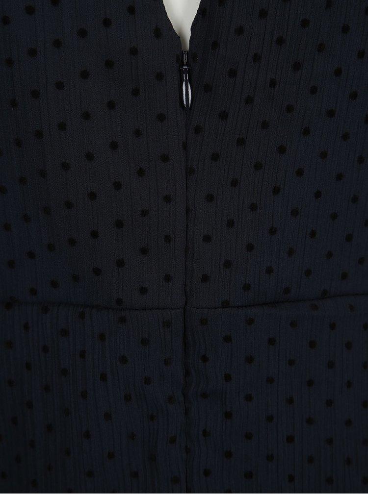 Tmavě modré puntíkované šaty s průstřihem na zádech VILA Amo