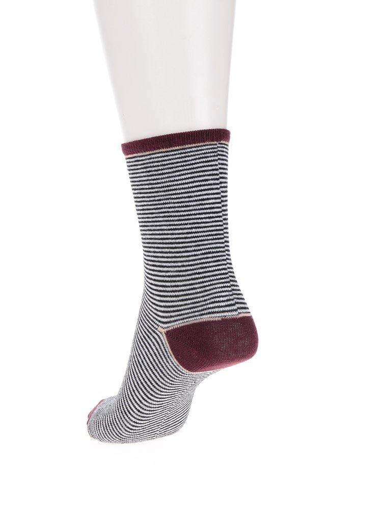 Sada čtyř párů černo-bílých pruhovaných ponožek VERO MODA Glitter