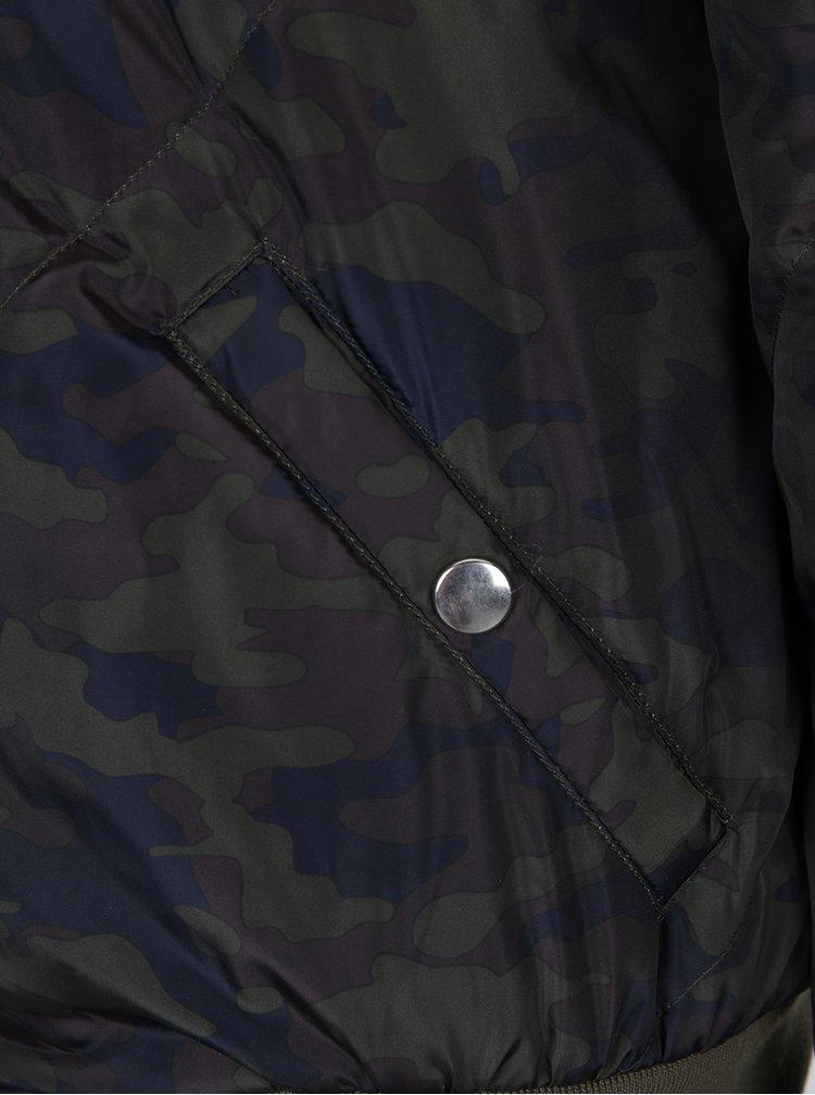 Khaki maskáčová prošívaná bunda s kapucí Noisy May Mirja