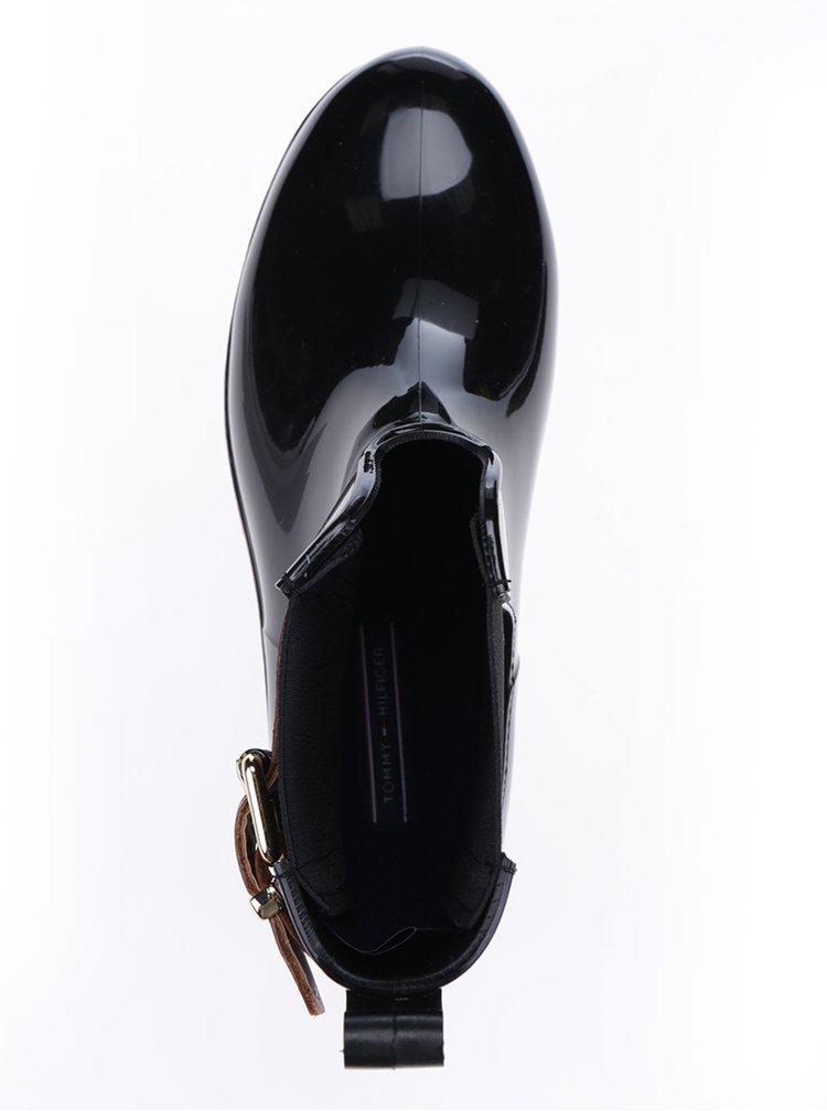 Černé dámské kotníkové holínky s koženými detaily Tommy Hilfiger Oxley