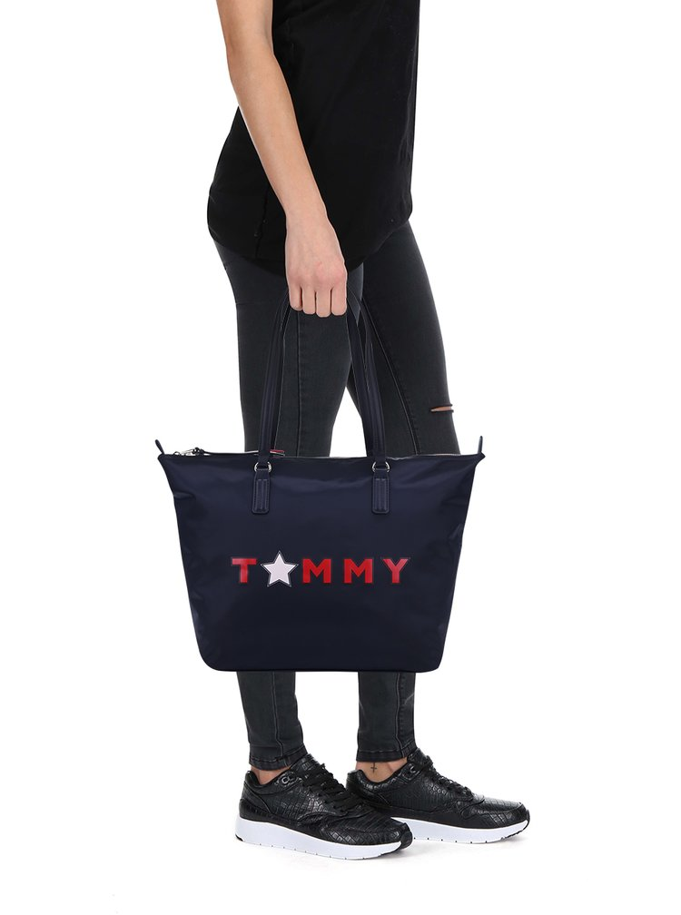 Tmavě modrá kabelka s potiskem Tommy Hilfiger Tommy Star