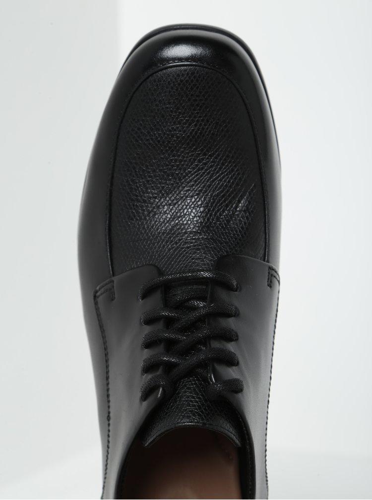 Černé kožené polobotky na širokém podpatku Clarks Kensett Darla