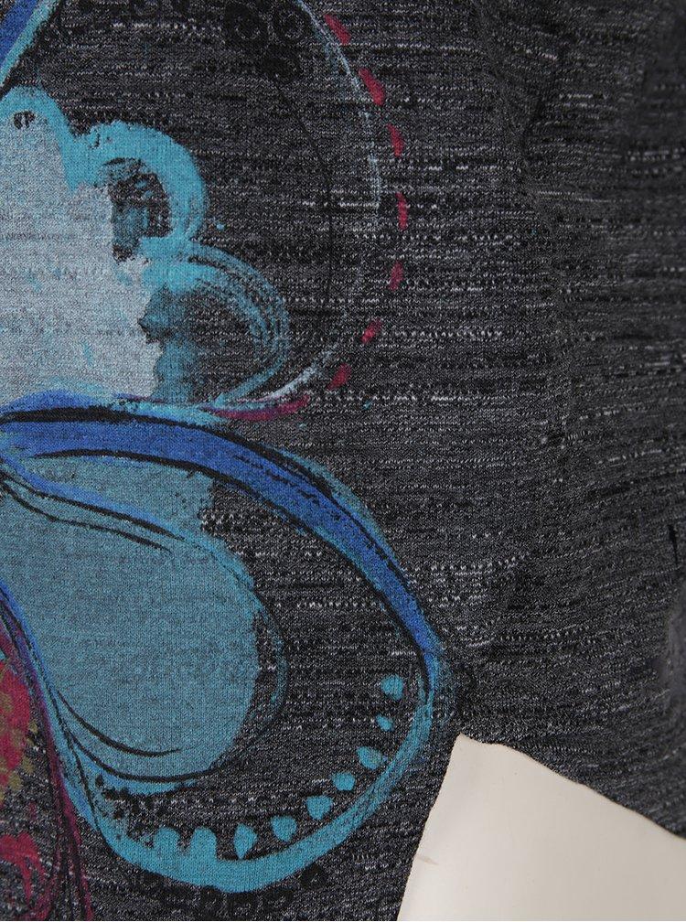 Šedé volné asymetrické tričko s potiskem Desigual Elqui