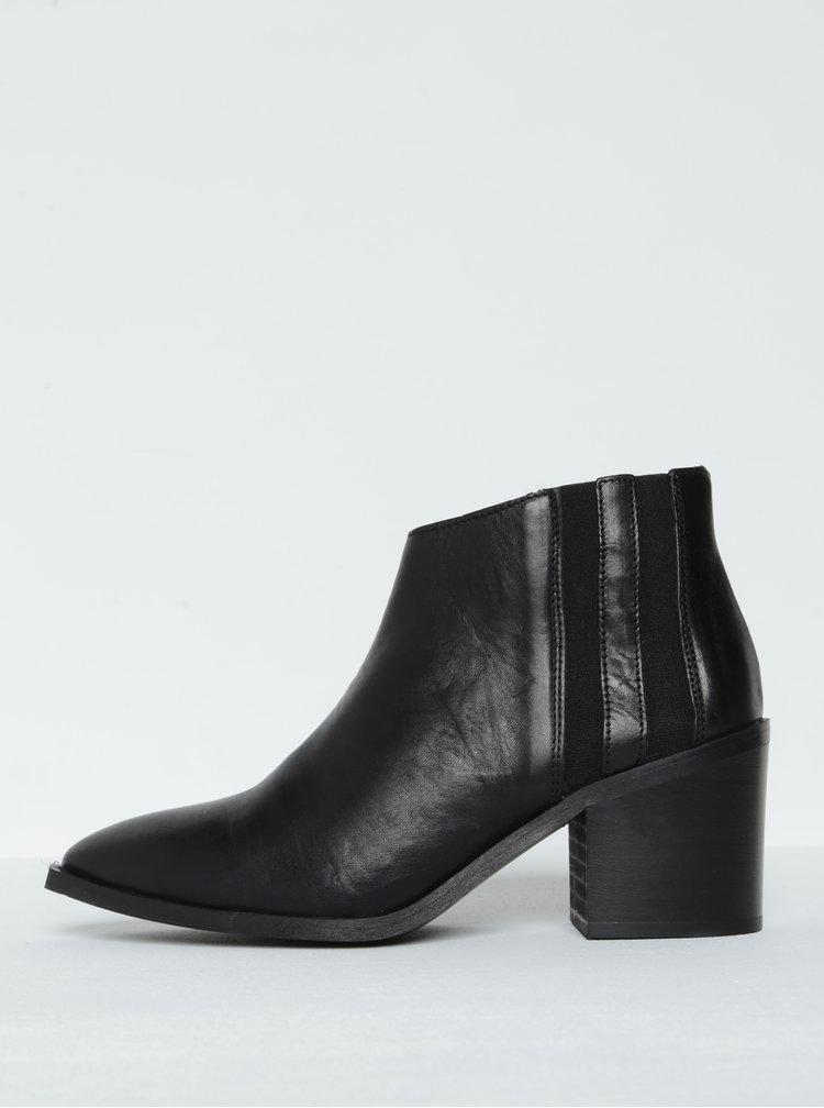 Černé kožené kotníkové boty na podpatku Selected Femme Elena