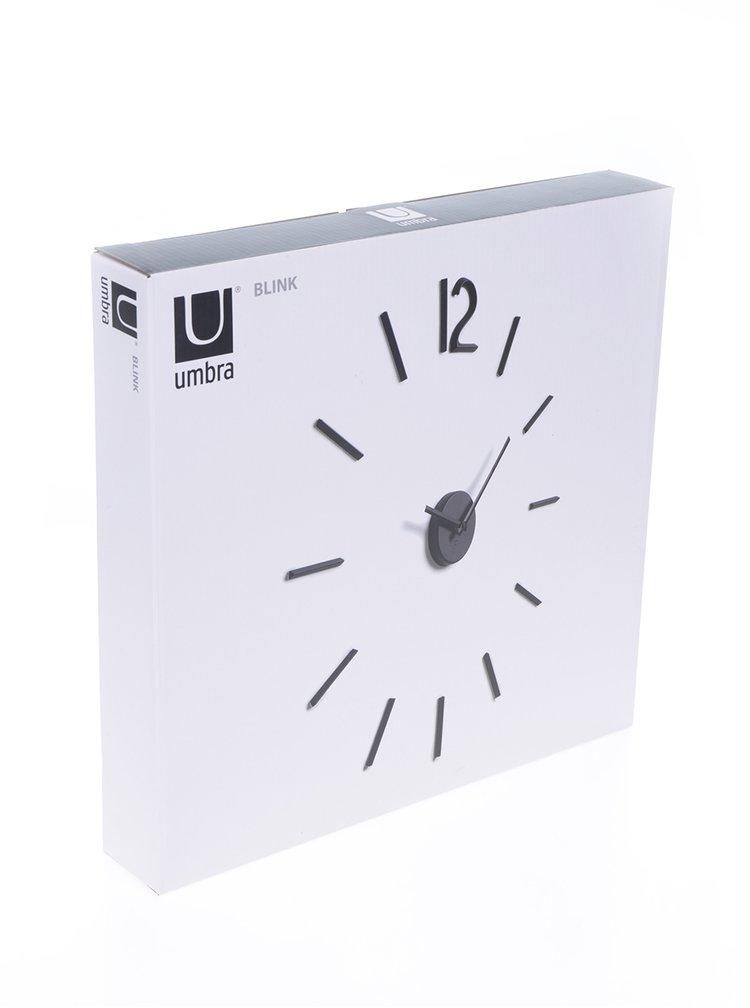 Černé nástěnné hodiny Umbra Blink