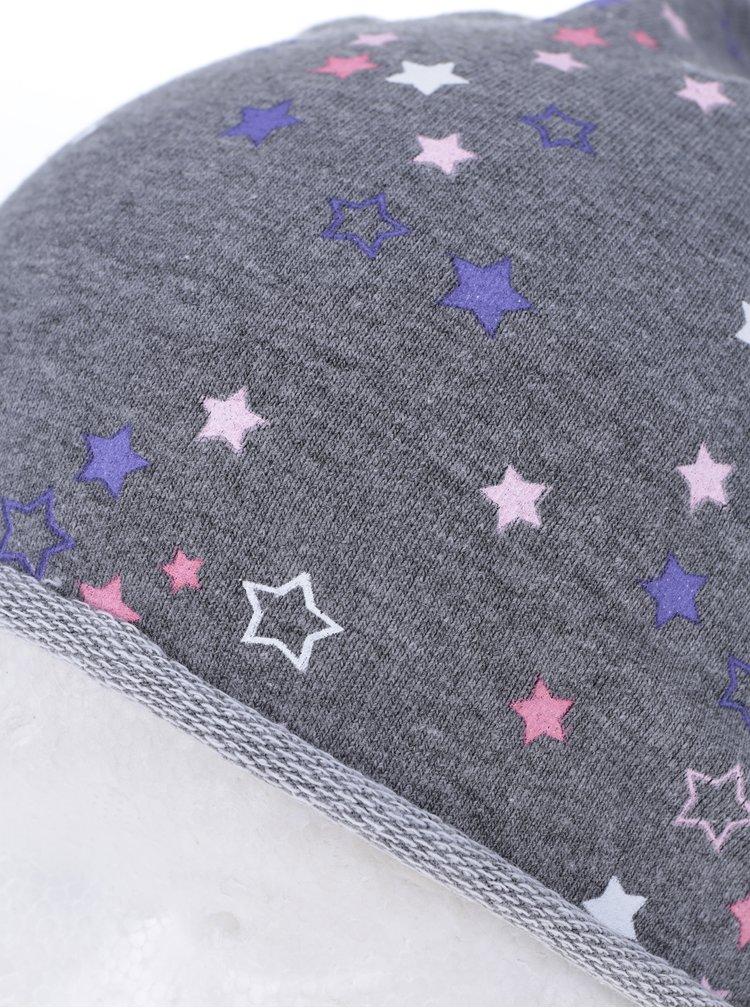 Šedá holčičí čepice s potiskem hvězd 5.10.15.