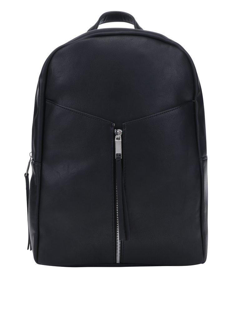 Čierny koženkový batoh s ozdobným zipsom Pieces Wanda