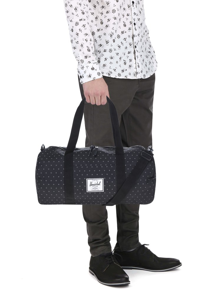 Černá vzorovaná cestovní taška Herschel Sutton 28 l