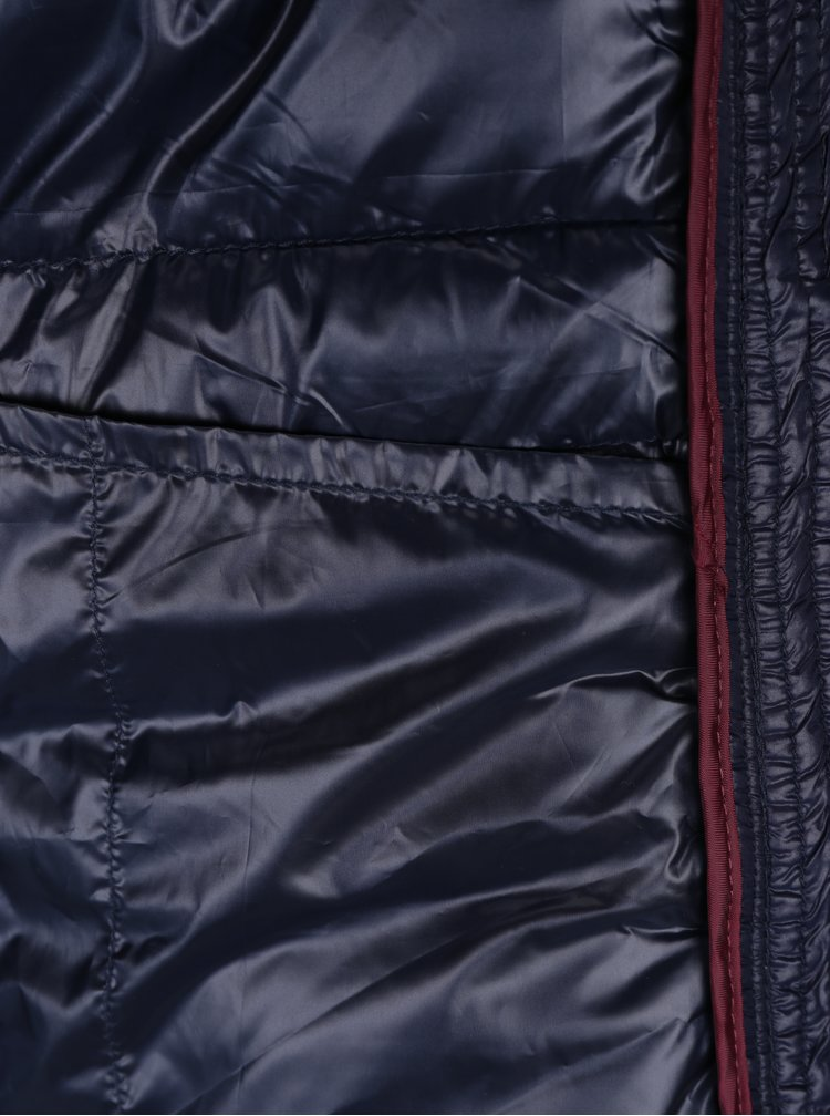 Tmavomodrá prešívaná bunda s umelým kožúškom VERO MODA Alberta