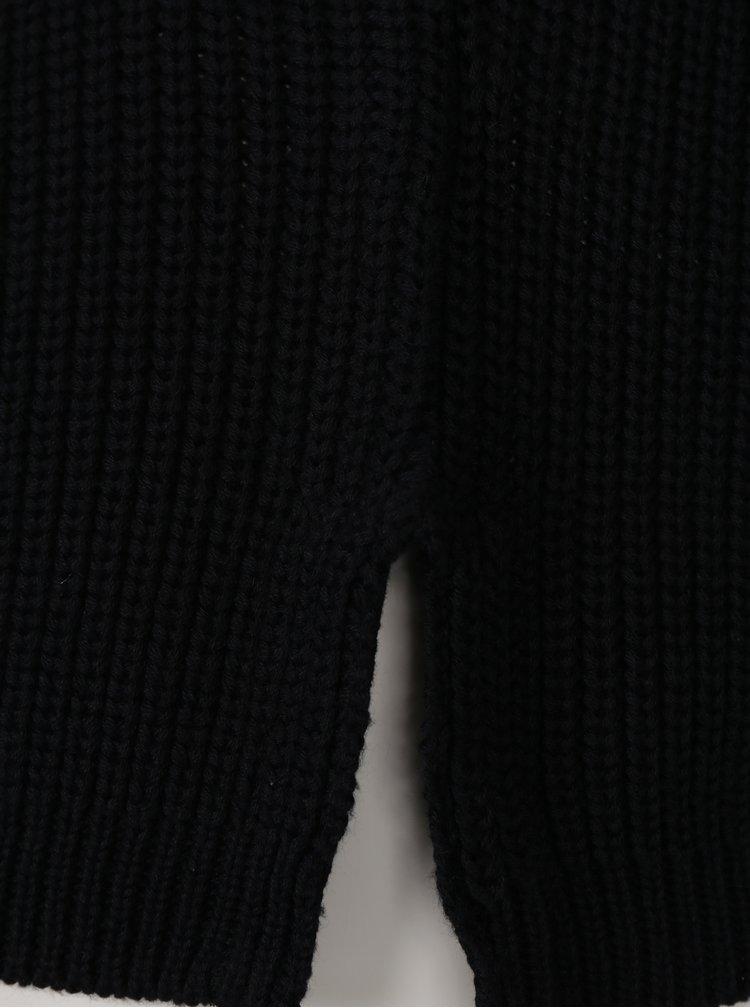 Černý svetr s knoflíky ve zlaté barvě VERO MODA Signe