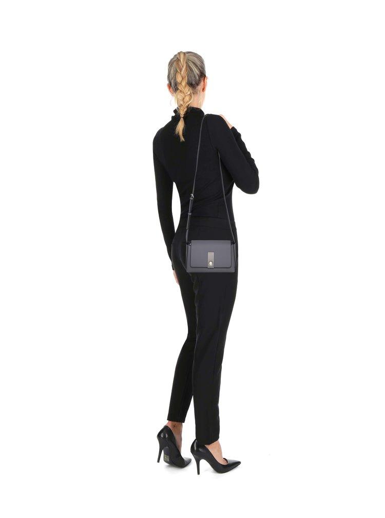 Sivá crossbody kabelka Calvin Klein Jeans Carrie