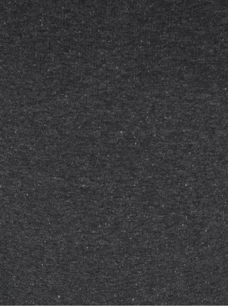Tmavě šedé klučičí tílko 5.10.15.