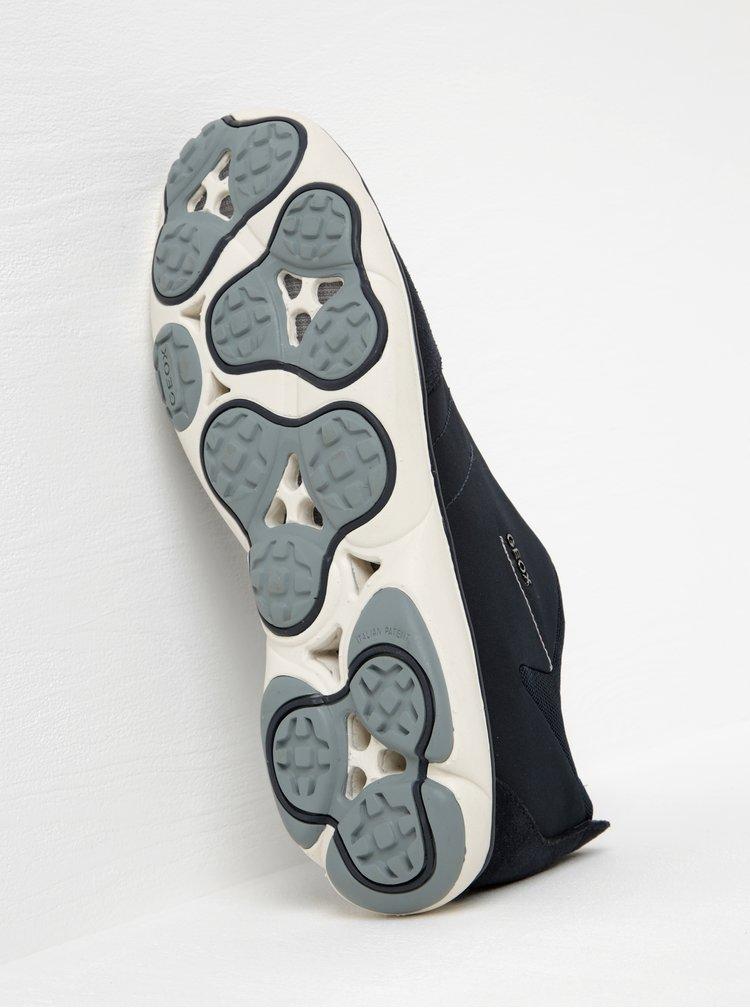 Tmavomodré pánske tenisky so semišovými detailmi Geox Nebula B