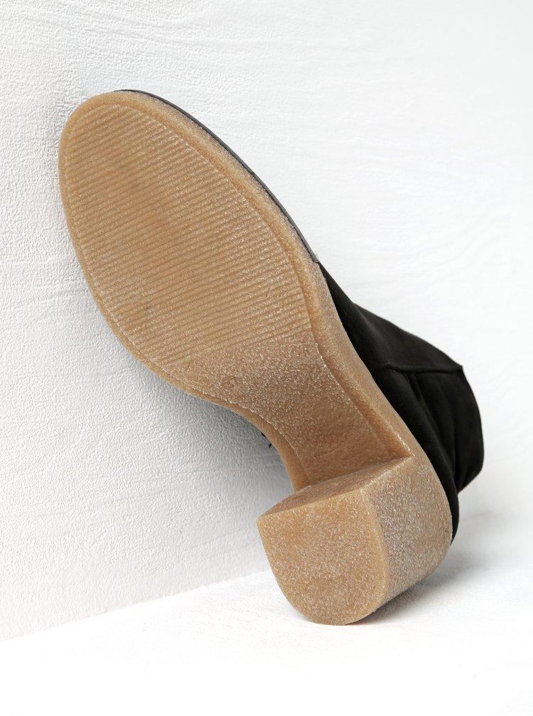 Černé kotníkové boty v semišové úpravě na podpatku OJJU