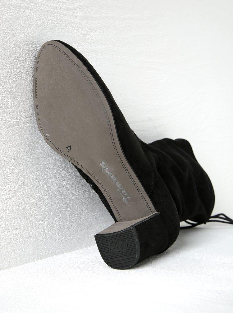 Černé nízké kozačky v semišové úpravě na podpatku Tamaris