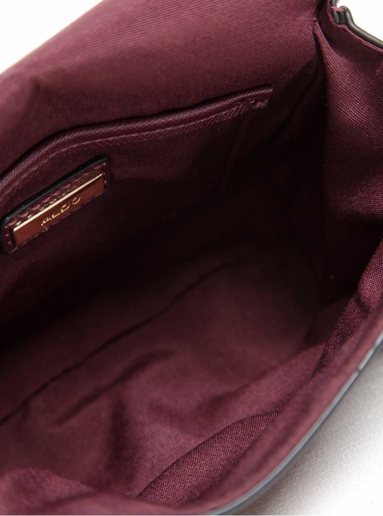 Vínová crossbody kabelka s přívěškem ALDO Astoewiel