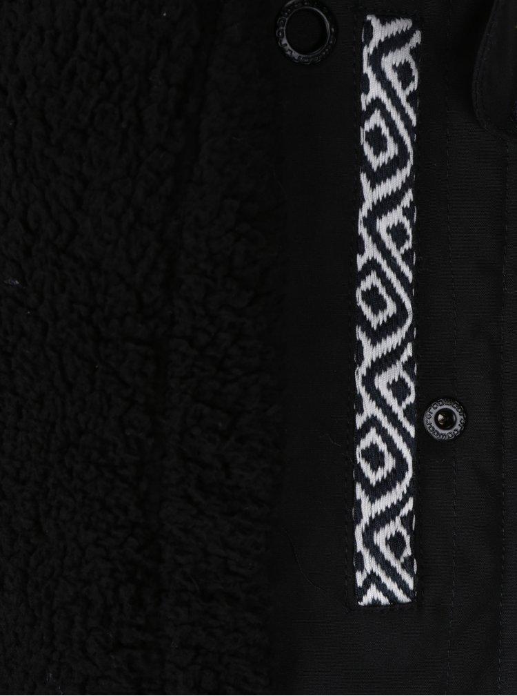 Černá dámská bunda s umělým kožíškem a kapucí Ragwear Ewok