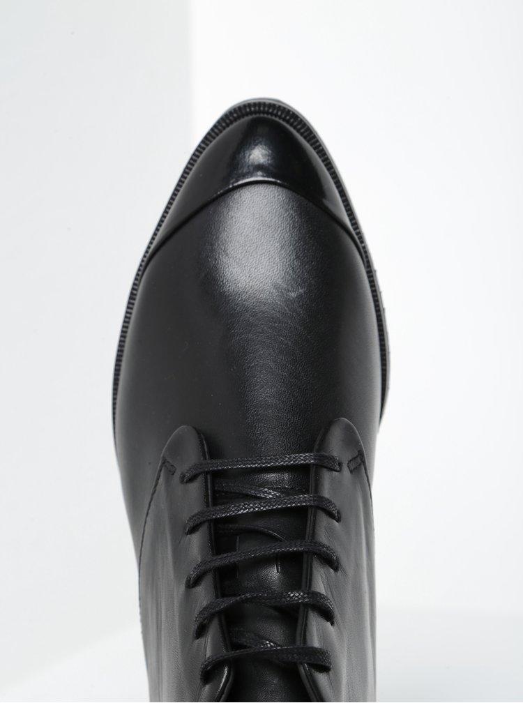 Černé dámské kožené kotníkové boty s ozdobným střapcem Royal RepubliQ