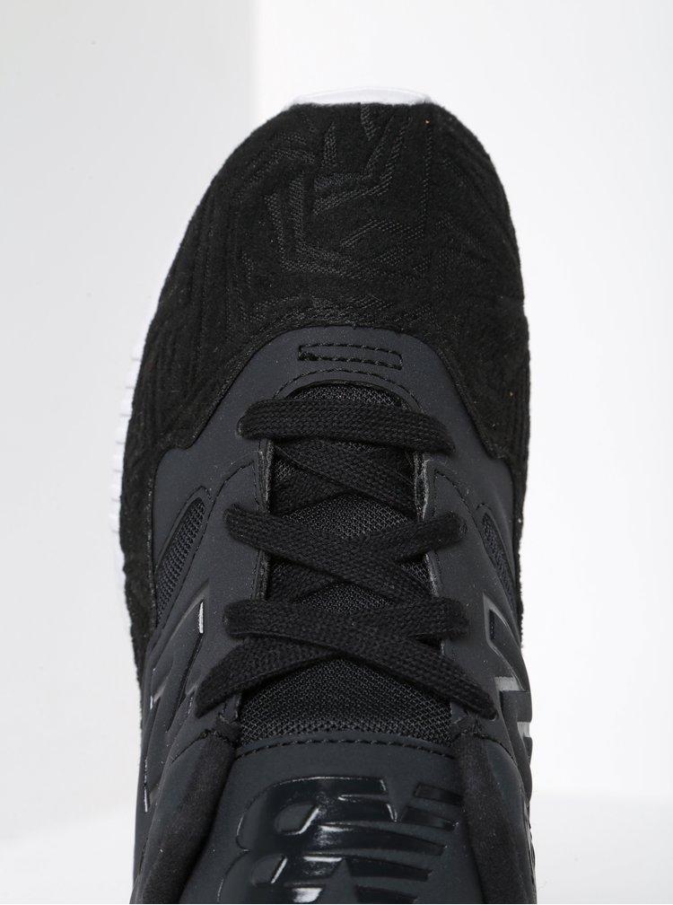 Černé dámské tenisky se semišovými detaily New Balance