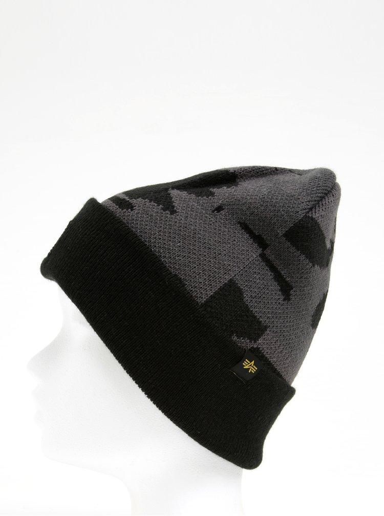 Černá dámská maskáčová čepice s nášivkou ALPHA INDUSTRIES