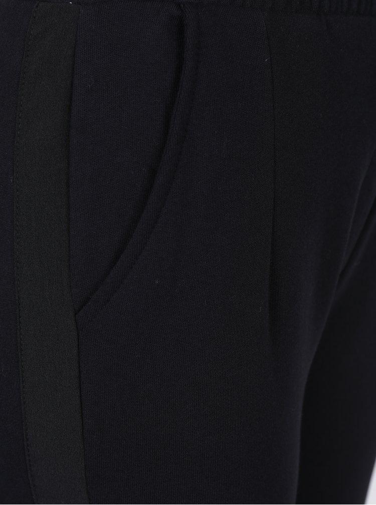 Černé tepláky s kapsami VERO MODA Aida