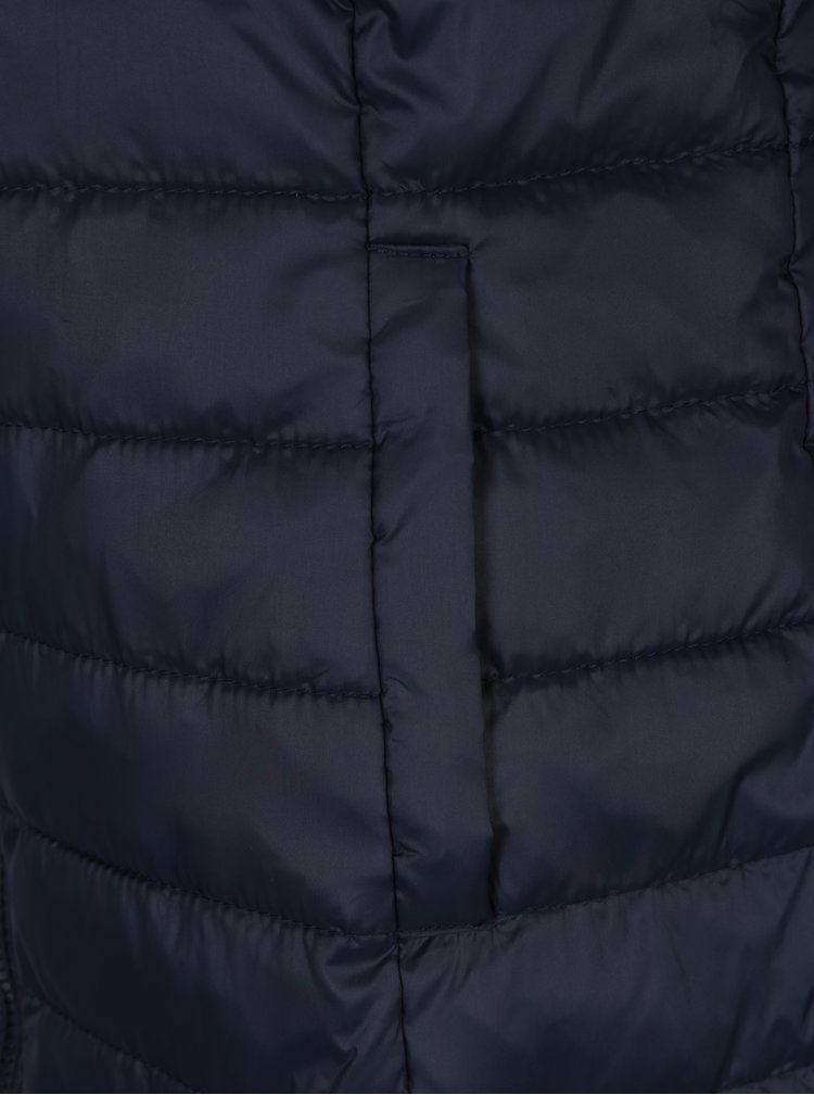 Tmavě modrá prošívaná bunda s kapucí ONLY Tahoe