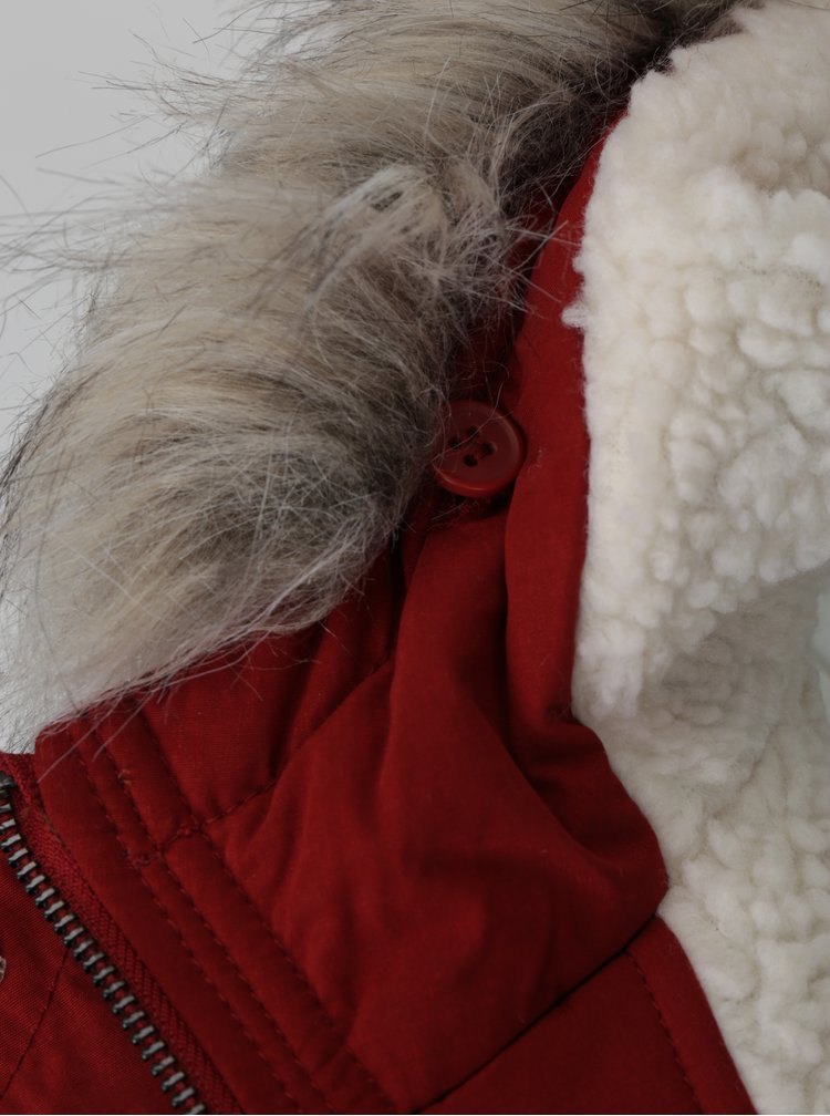 Cihlová zimní parka s umělou kožešinou ONLY Peyton