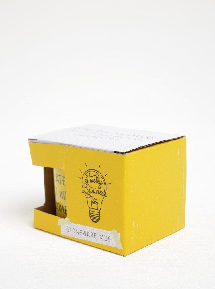Cană galbenă cu inscripție CGB