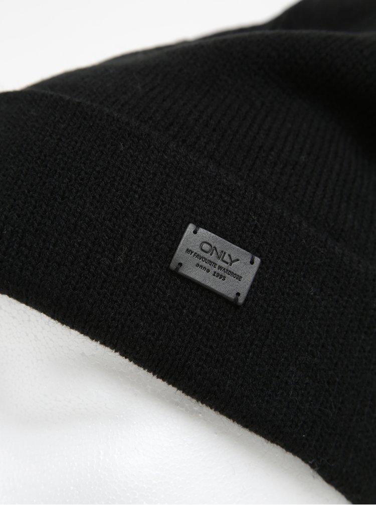 Caciula neagra cu logo ONLY Pasia