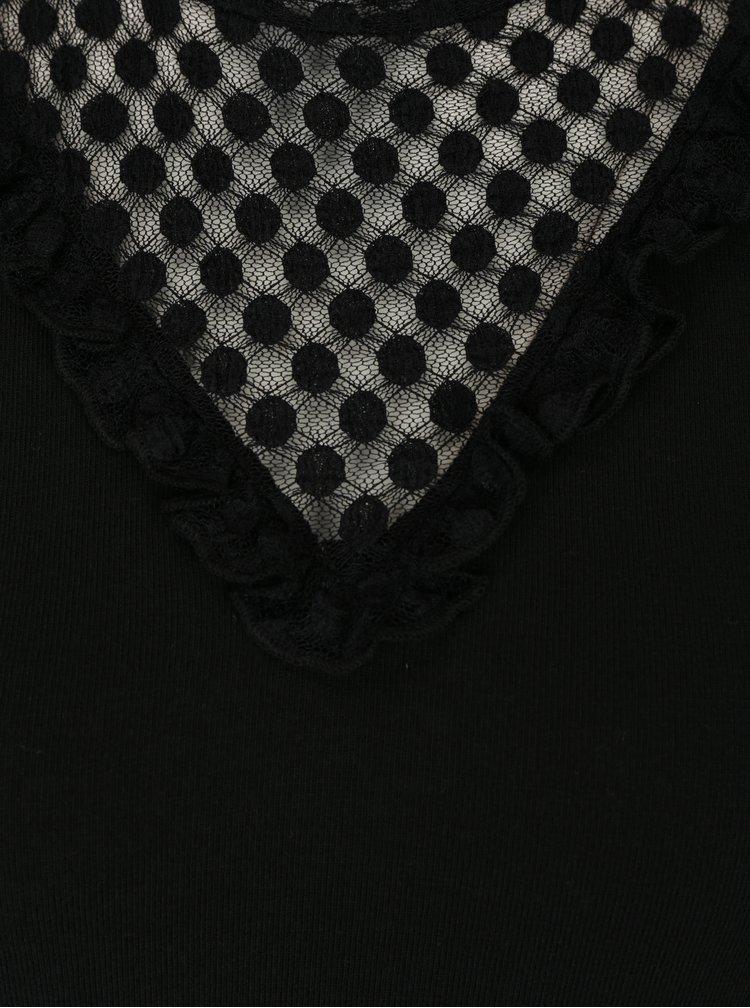 Černé tričko s krajkovým dekoltem a stojáčkem ONLY Dotti