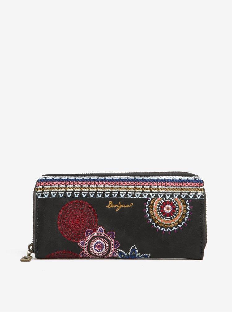 Černá peněženka s výšivkami Desigual Fiona Amber
