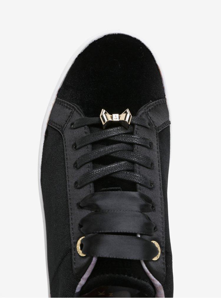 Černé sametové tenisky s detaily ve zlaté barvě Ted Baker Kulei