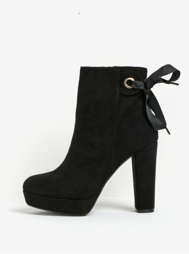 Černé kotníkové boty na podpatku a platformě v semišové úpravě Miss KG Sheree
