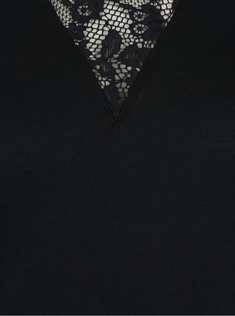 Černé tričko s krajkou v dekoltu Jacqueline de Yong Fabia