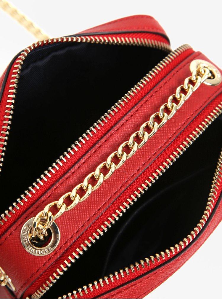 Červeno-modrá crossbody kabelka s plastickými detaily Tommy Hilfiger Camera