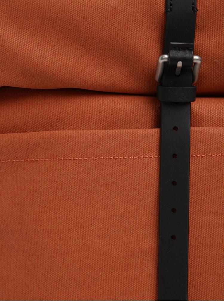 Černo-oranžový batoh Clarks The Millbank 16,9 l