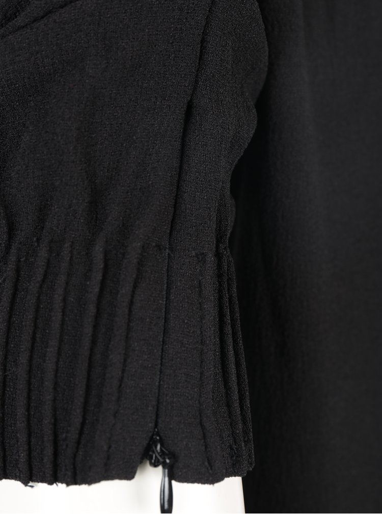 Černé volné šaty s průstřihem na zádech VILA Callie