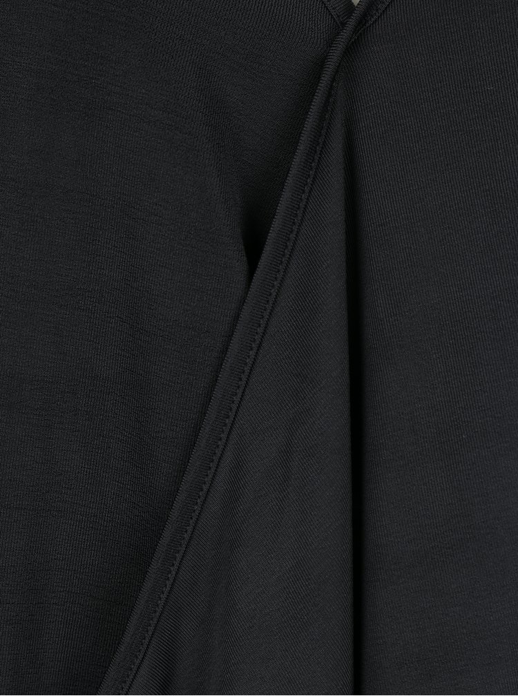 Černá halenka s véčkovým výstřihem VERO MODA Jennie
