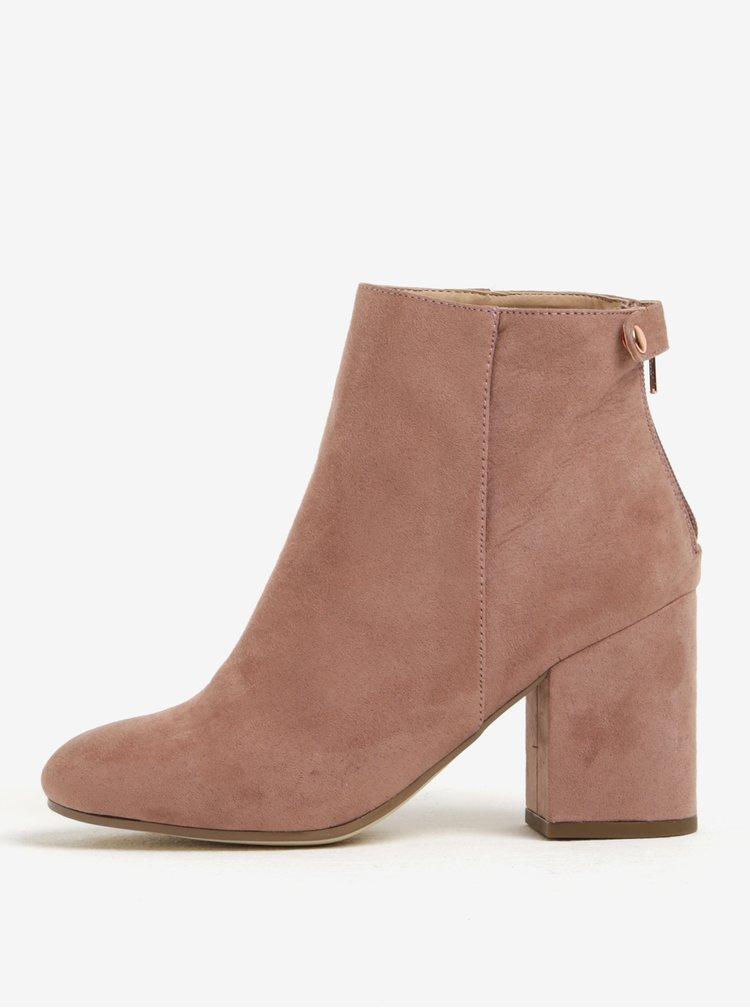 Starorůžové kotníkové boty v semišové úpravě na podpatku Dorothy Perkins