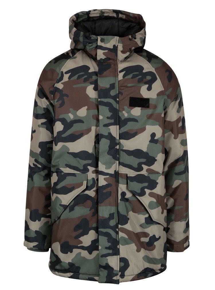 Geaca de iarna cu print camuflaj Jack & Jones Military