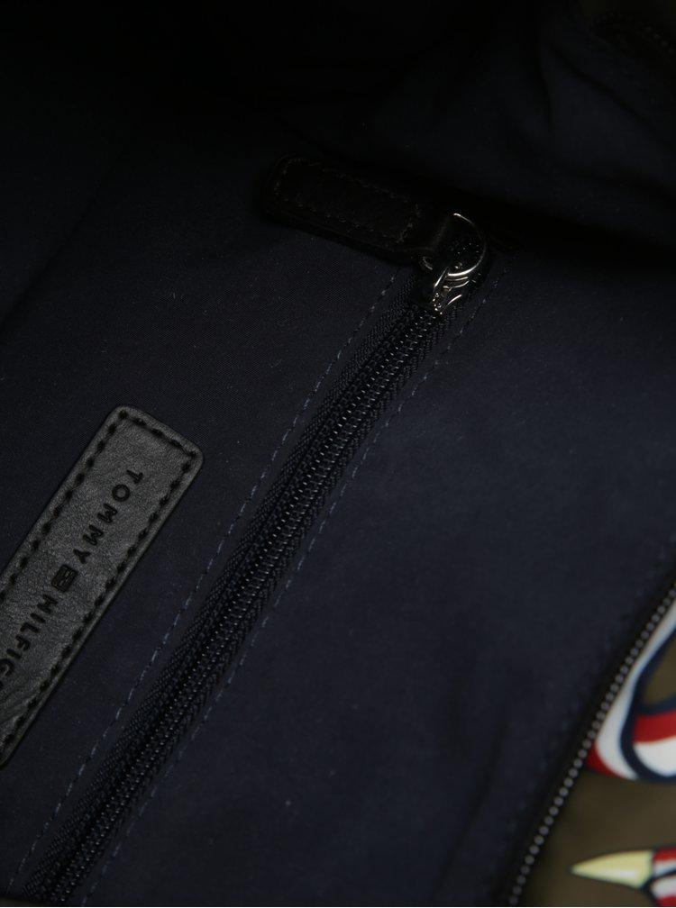 Khaki dámský batoh se vzorem Tommy Hilfiger