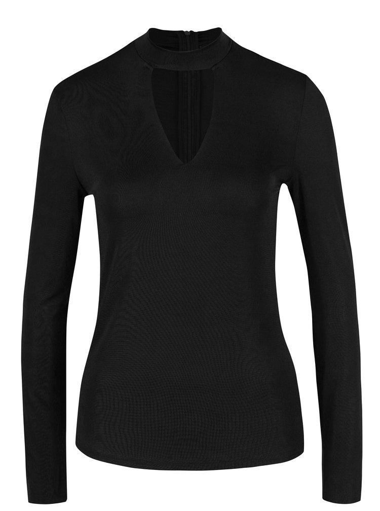 Černé tričko s průstřihem v dekoltu VERO MODA Jennie