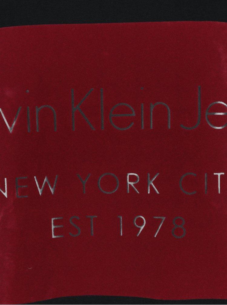 Černé pánské tričko s dlouhým rukávem a potiskem v sametové úpravě Calvin Klein Jeans Tavid