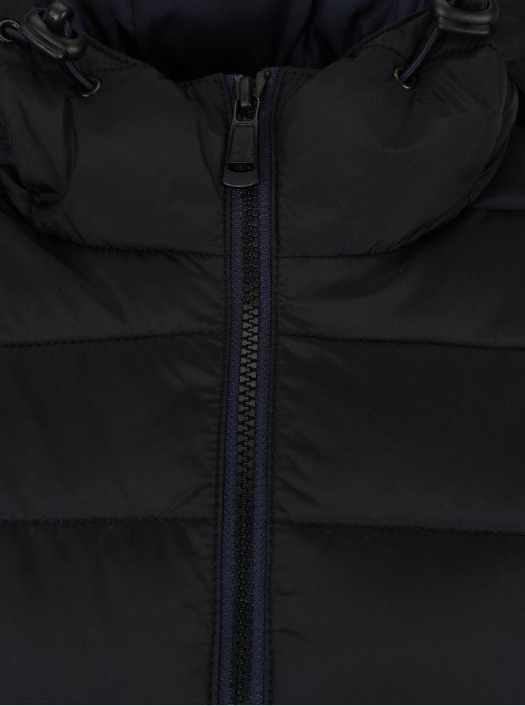 Černá dámská prošívaná bunda s kapucí s.Oliver