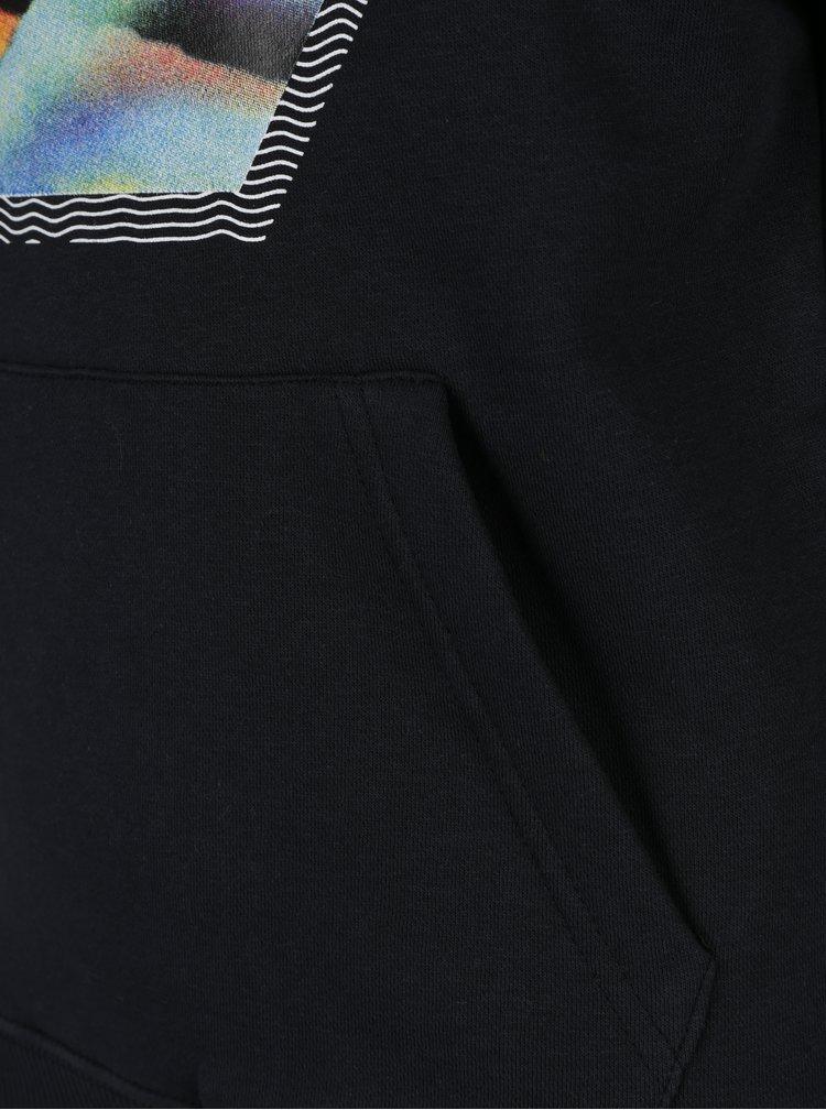 Černá klučičí mikina s potiskem a kapucí Quiksilver