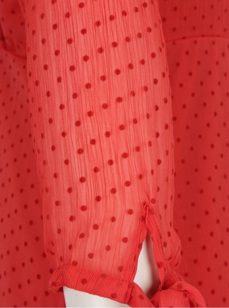 Červené puntíkované šaty s průstřihem na zádech VILA Amo